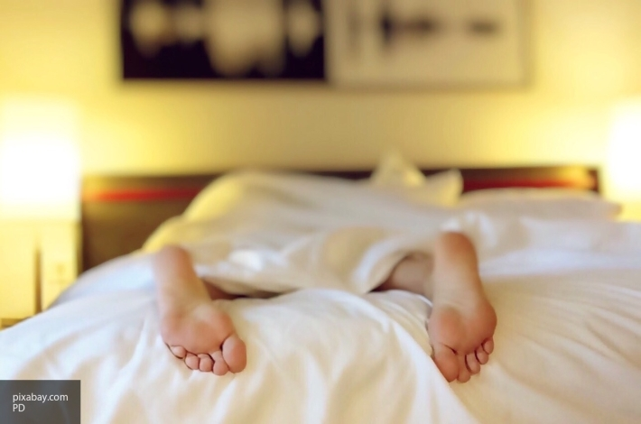 Продолжительный сон навыходных приводит кболезням сердца— ученые