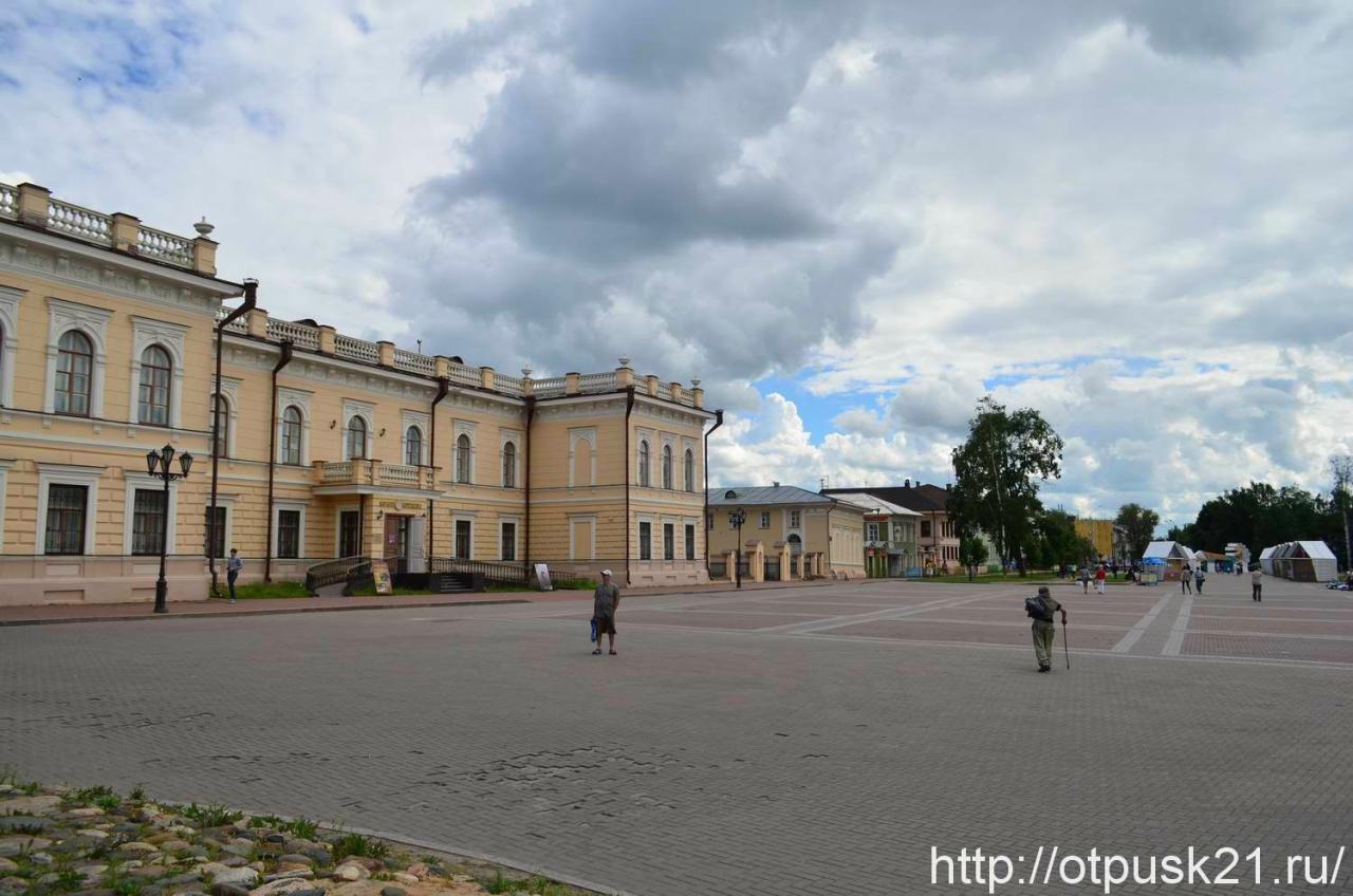 Кремлевская площадь, Достопримечательности Вологды