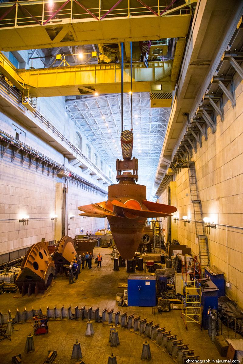 Монтаж рабочего колеса гидроагрегата №7 на Жигулёвской ГЭС 0_112349_c9a9d625_orig
