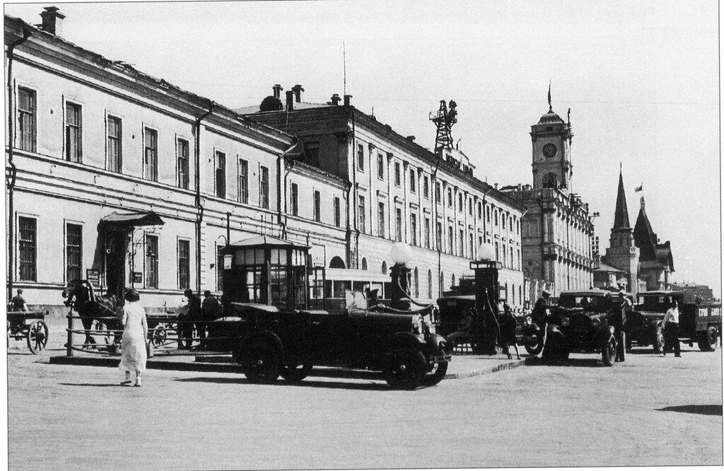 6882 Автозаправочная станция на Комсомольской площади 36.jpg