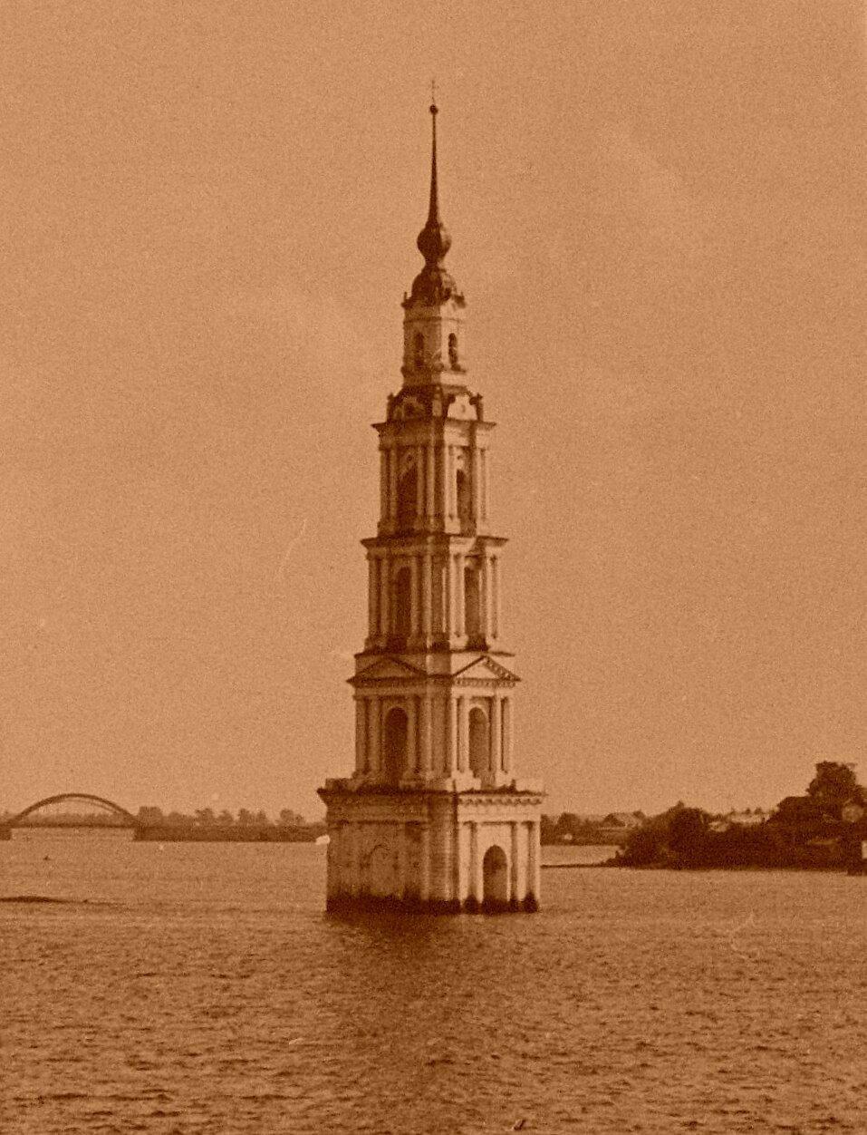 Затопленная колокольня Николаевского собора