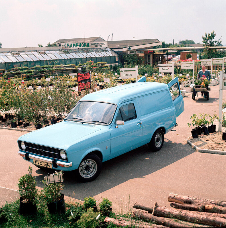 03/066 March 1975. Escort van.