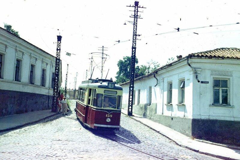 Симферополь Поворот с улицы Ефремова на улицу Ленина.jpg
