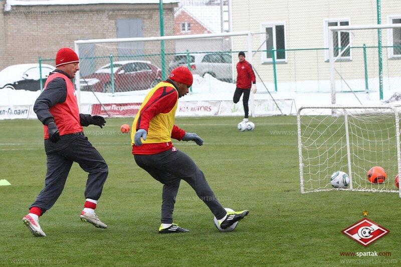 Тренировка «Спартака» перед вылетом на Кипр (Фото)