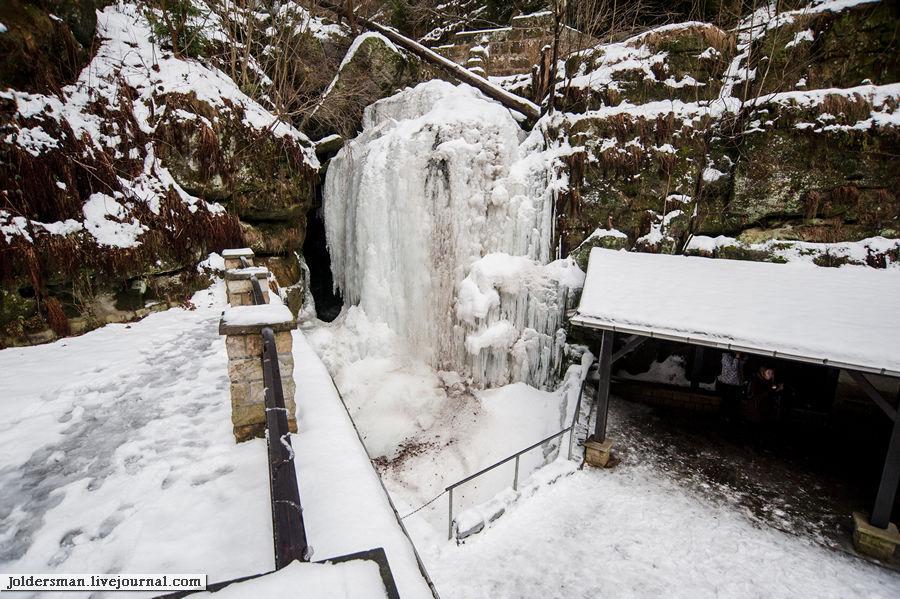 замерзший водопад