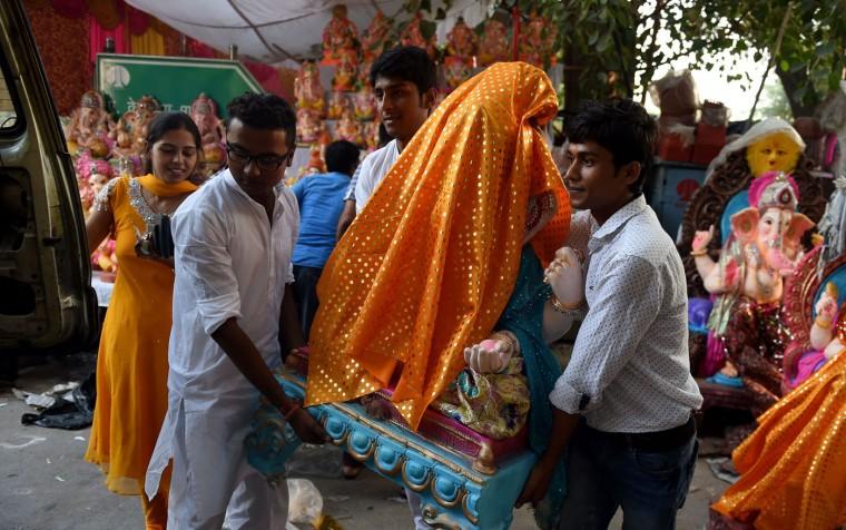 В Индии празднуют День рождения Ганеша 0 1454bd 5043787 orig