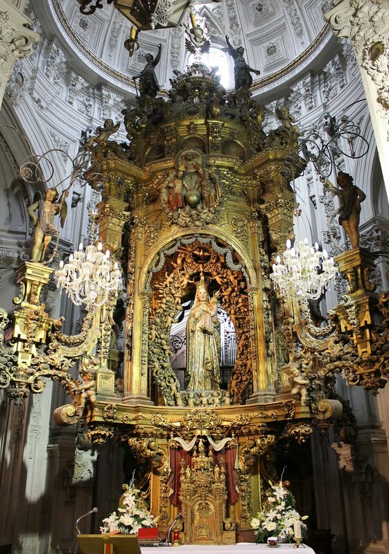 Луго. Собор Святой Марии (Catedral de Santa María de Lugo). Интерьеры