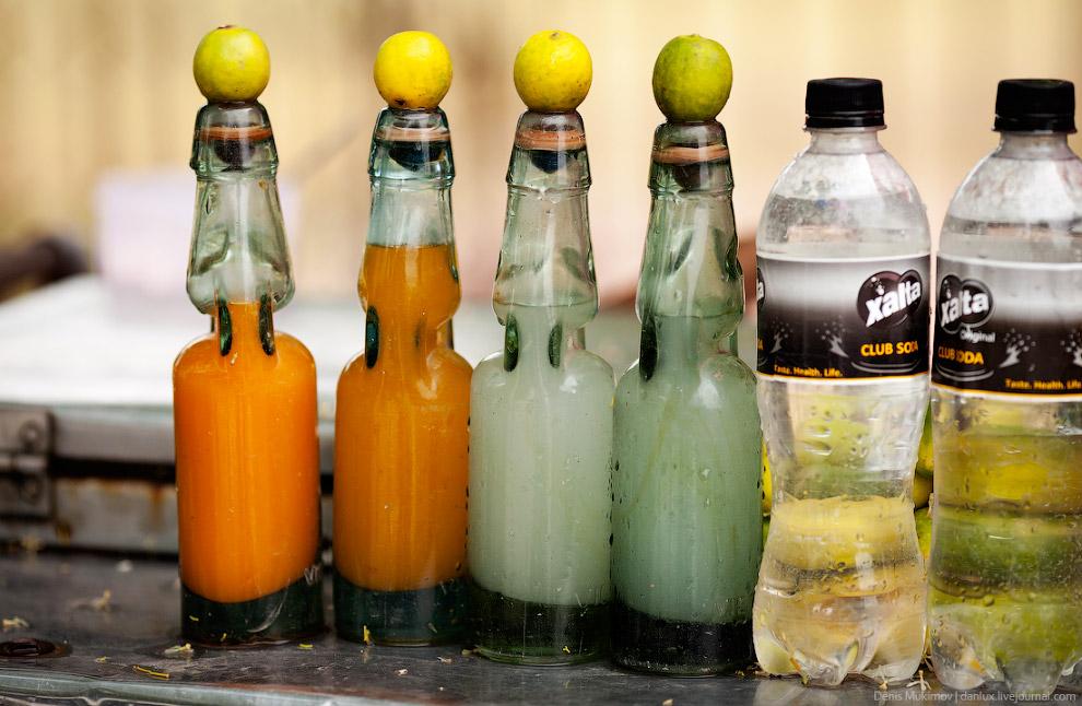 15. Забавнее бутылок только одноразовые тарелки из листьев.