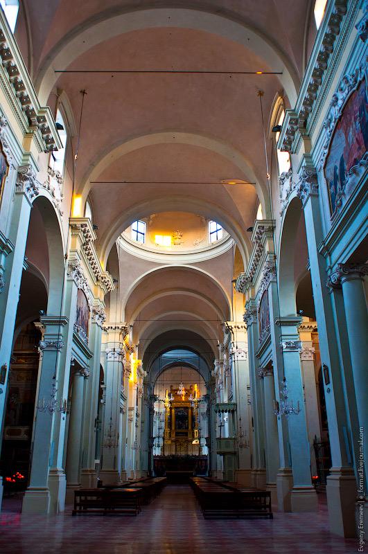 Церковь Св. Базилика была построена на месте древней церкви Св. Николая Чудотворца в 1221 году