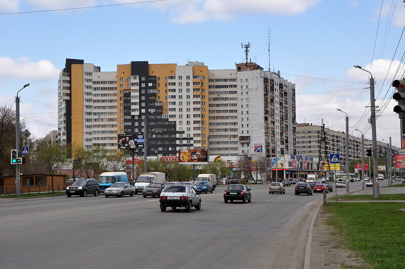 Улица Комарова