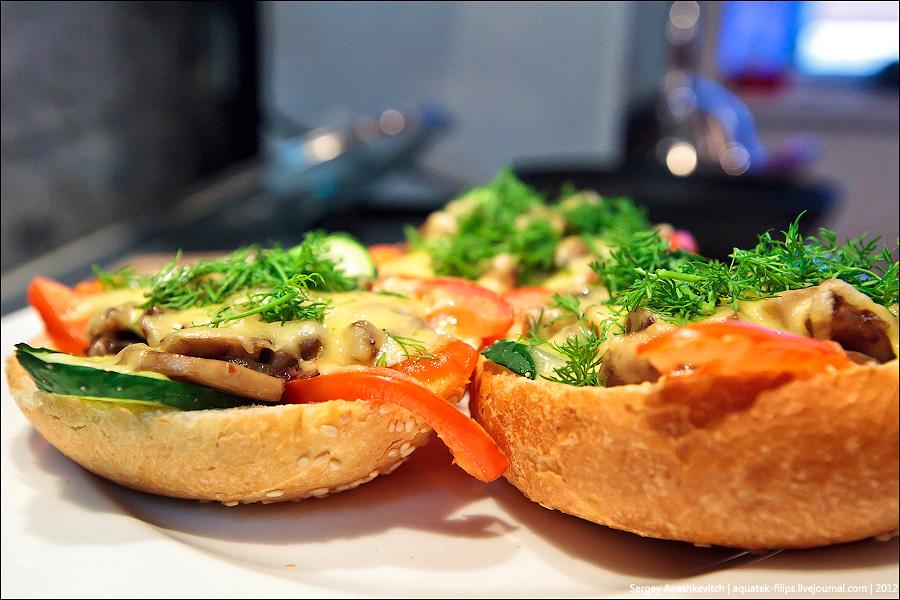 Картинки по запросу Бутерброды с шампиньонами и сыром