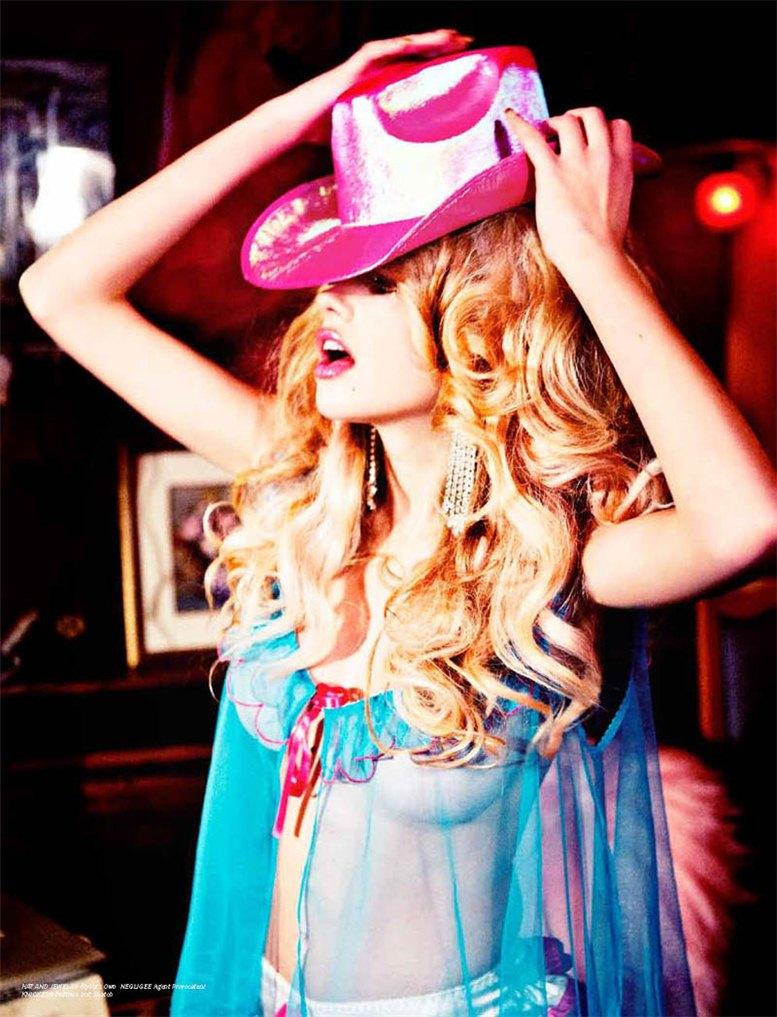 Valerie van der Graaf / Валери ван дер Грааф, фотограф Ellen von Unwerth в журнале LoveCat Magazine
