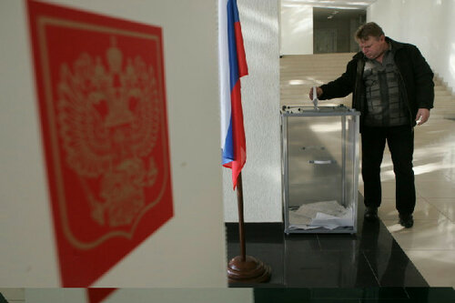 По данным exit-polls Владимир Путин побеждает в первом туре