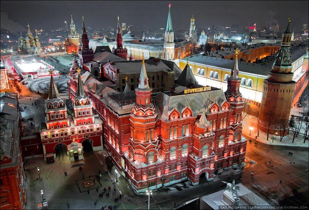 Зима 2011/12: вид на Исторический музей и Кремль с гостиницы «Москва»