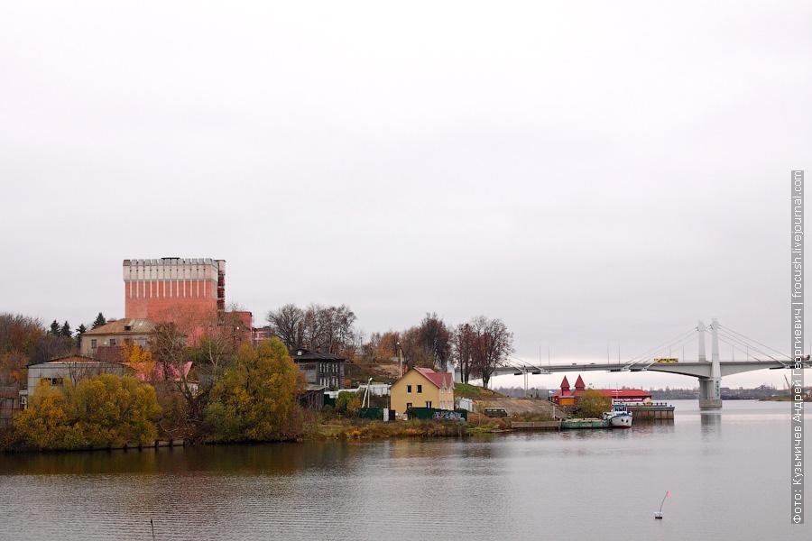 Вид с моста через реку Кимрка на Центральный район города Кимры