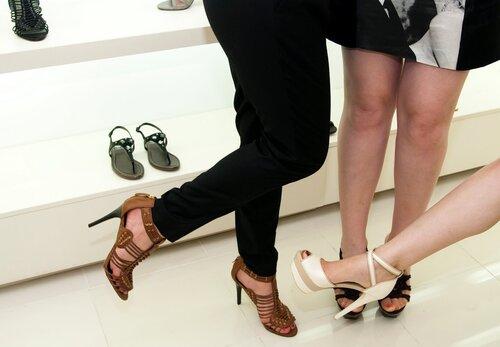 """Магазин обуви """"Центро"""""""