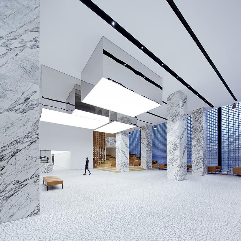 Галерея с полупрозрачными стенами из старой котельной в Китае