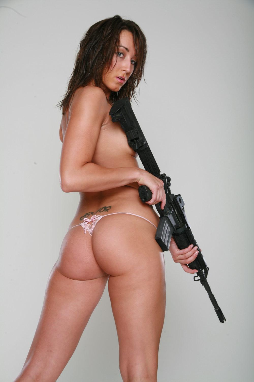 gun-girl-sexfakes