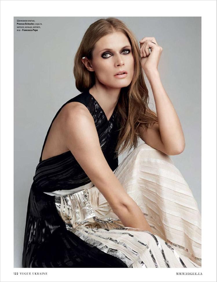Malgosia Bela в июльском Vogue Ukraine