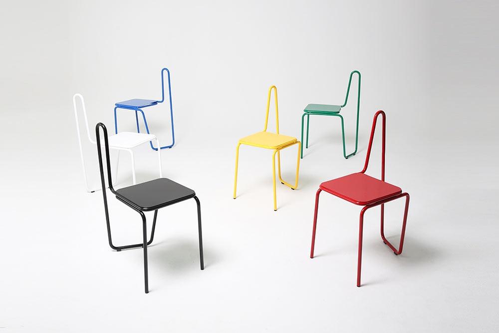 Дизайнеры этих стульев вдохновились техникой неотрывных линий вработах Пабло Пикассо: конструкция к