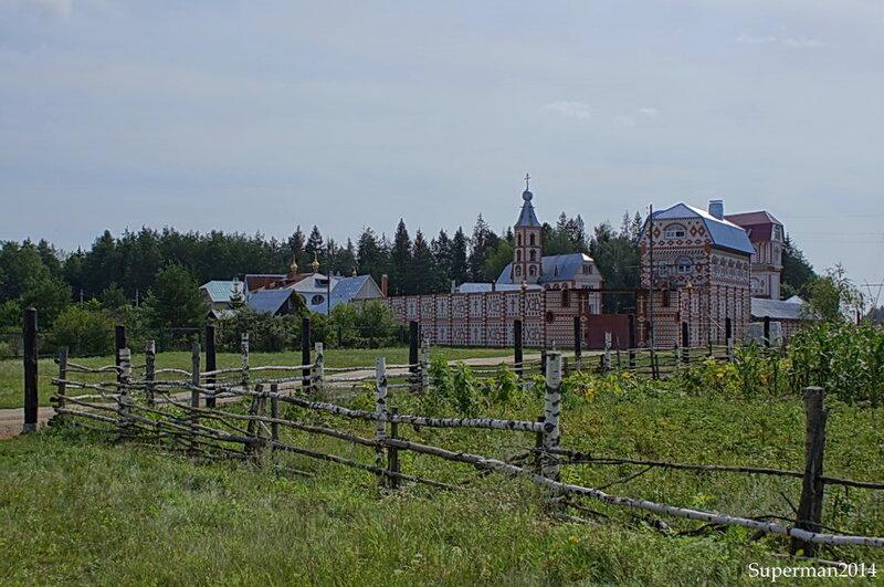 Раскольнический Троицкий монастырь в деревне Острово
