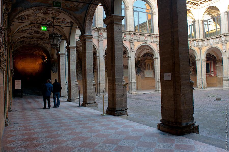 Библиотека в Болоньи