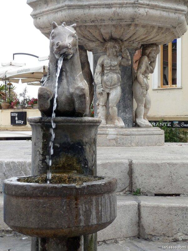 "Барочный фонтан, 1635 г. Фонтан ""Кентавр""."