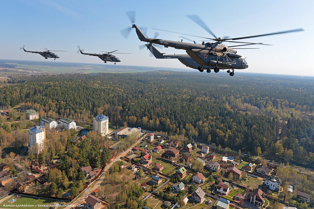 руские вертолёты над аробаткой 20 марта
