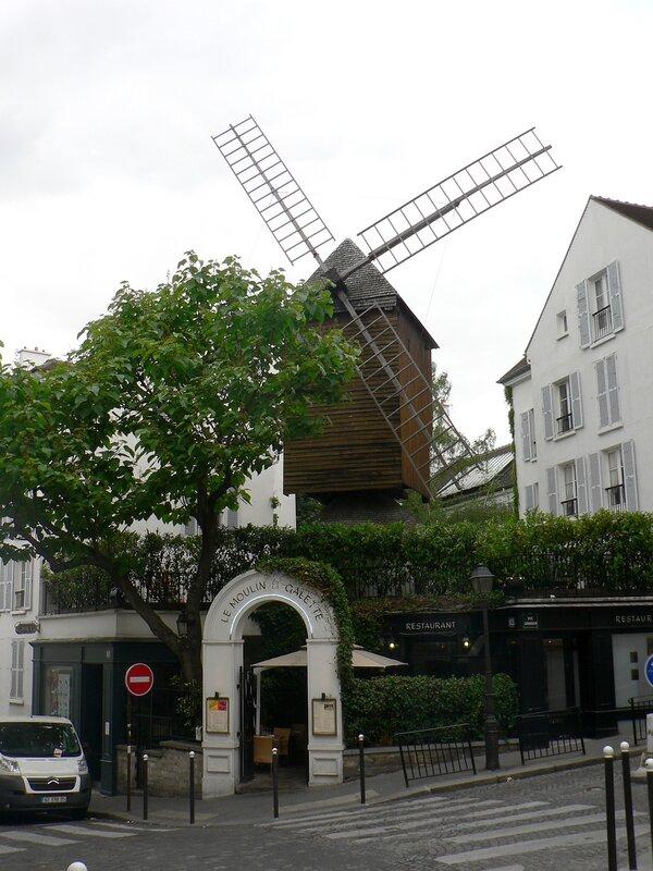 На Монмартре в Париже