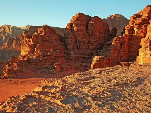 Красные скалы Вади Рам