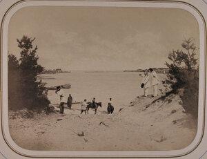 Вид с возвышенности левого берега реки Сясь на устье реки в месте впадения в Ладожское озеро.