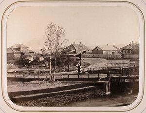 Вид на Шлиссельбургскую плотину и шлюз;в центрена втором плане-дом начальника дистанции.