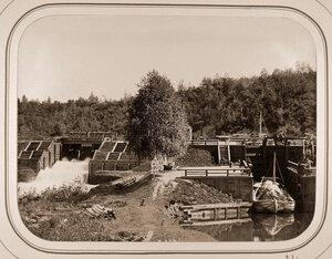 Вид на Виленскую плотину и шлюз.