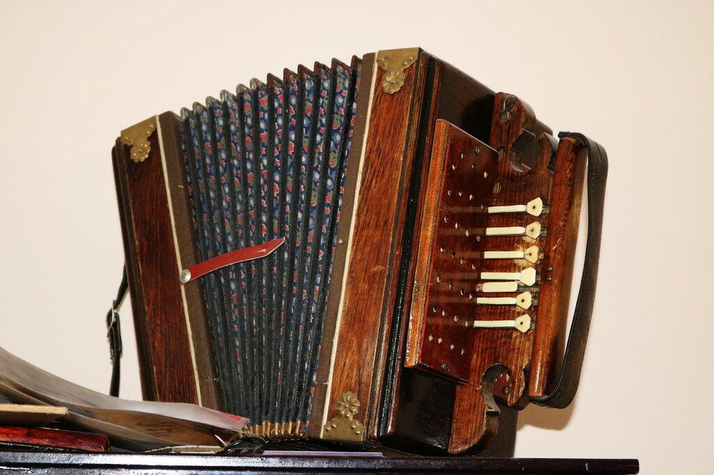 Рояльная гармоника, мастерская по ремонту