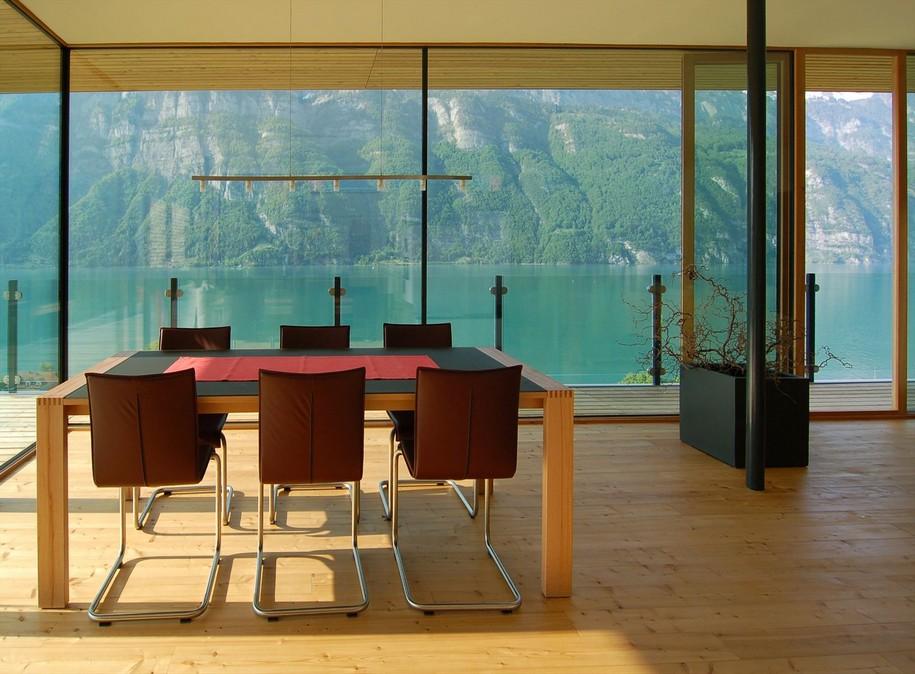 Wohnhaus на берегу озера Валензе от K_M Architektur