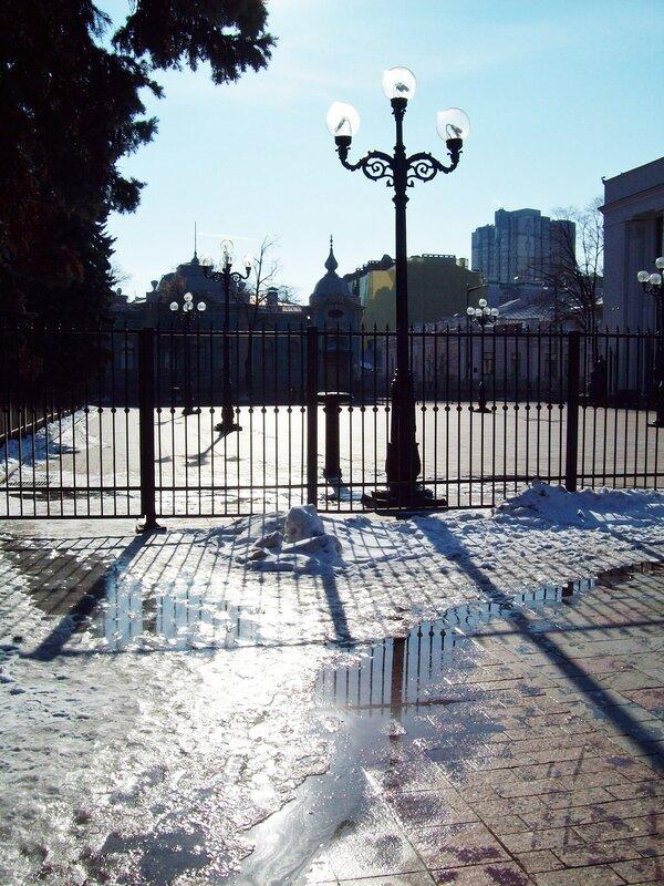 Забор перед Верховной Радой