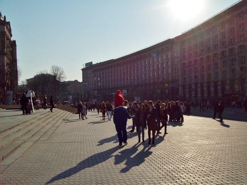 Солнечный весенний день на Майдане Незалежности