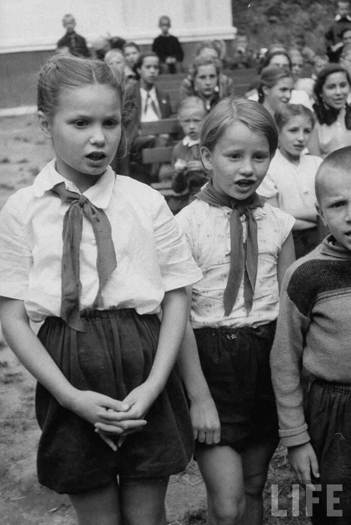 Lisa Larsen Moscow 1956