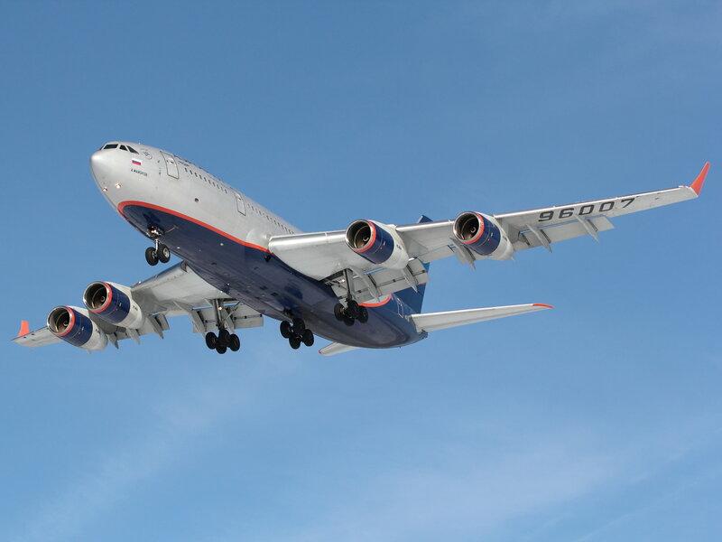 ...Ил-86, коллектив ОКБ им. С.В. Ильюшина под руководством Г.В. Новожилова создал новый самолет - Ил-96-300.