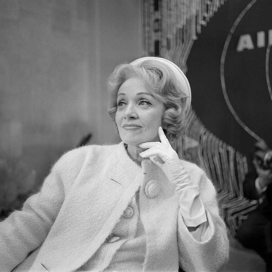 1962. В аэропорту Орли