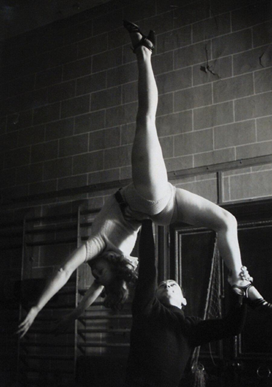 1953. Школа танца при парижской Опере