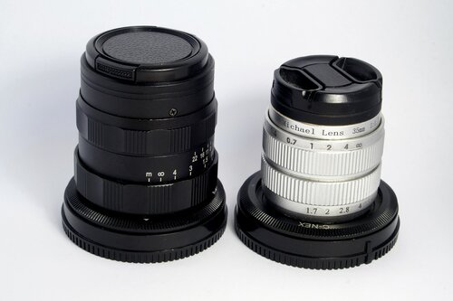 Michael Lens 35mm F/1.6 II (слева) и Michael Lens 35mm F/1.7 (справа)