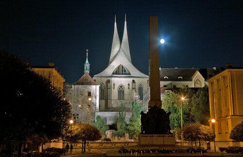 Эммаусский монастырь ( Emauzský klášter )