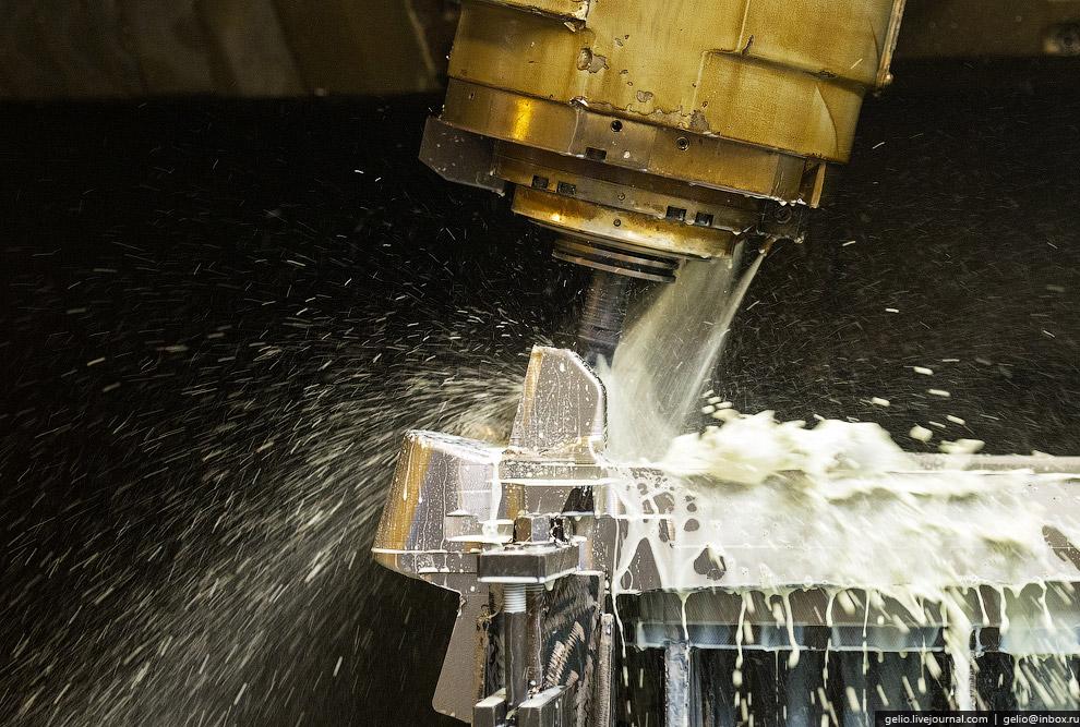 7. На заготовительно-штамповочном производстве (ЗШП) ИАЗа изготавливают до 70% деталей будущего