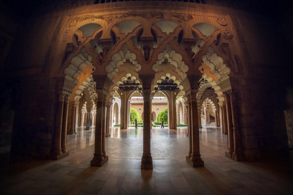 Сарагоса. Дворец Альхаферия. (Juanedc)