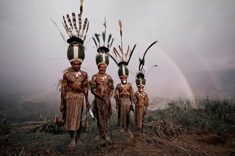Люди живут втрадиционных деревнях. Цивилизация недобралась еще доних, поэтому основное занятие му