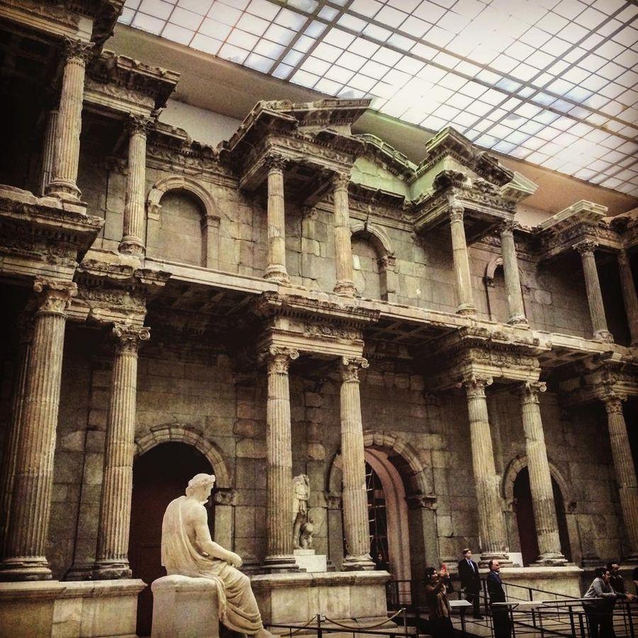 10. Пергамский музей (Берлин, Германия) Экспозиция музея разделена на три блока: Античное собрание,