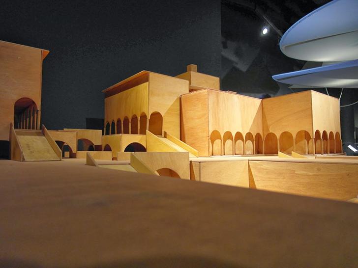 Идеальный город. Да Винчи жил в Милане во времена чумы, но мечтал о более чистом и продуманном город