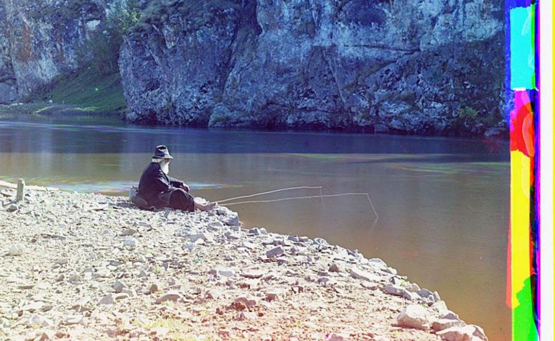 Крестьяне отдыхают во время сенокоса.