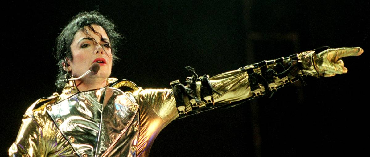 Майкл Джексон выступает на стадионе Ericsson в городе Окланд, Новая Зеландия, в ноябре 1996 года во